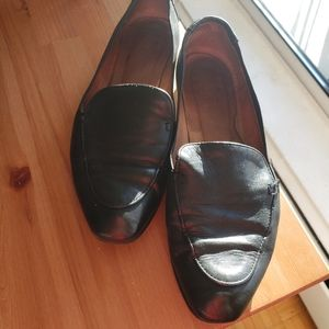 Genuine leather loafers / flats